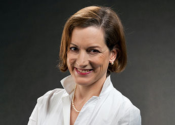 Anne Applebaum will deliver the Leopold Lecture Oct. 8, 2020
